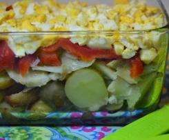 Salada de batatinha nova com bacalhau e pimentos assados