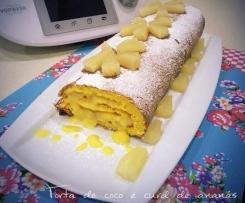 Torta de coco com recheio de curd de ananás
